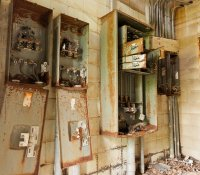 abandoned-electric-panel7